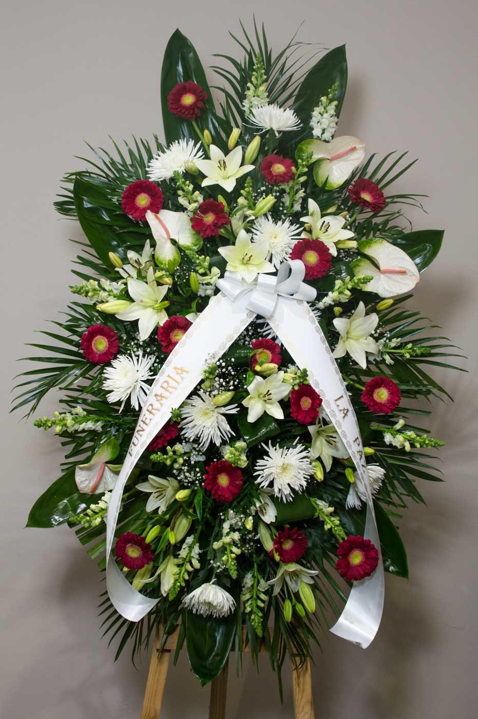 Centro colgante de flores variadas - Funeraria La Paz Verín