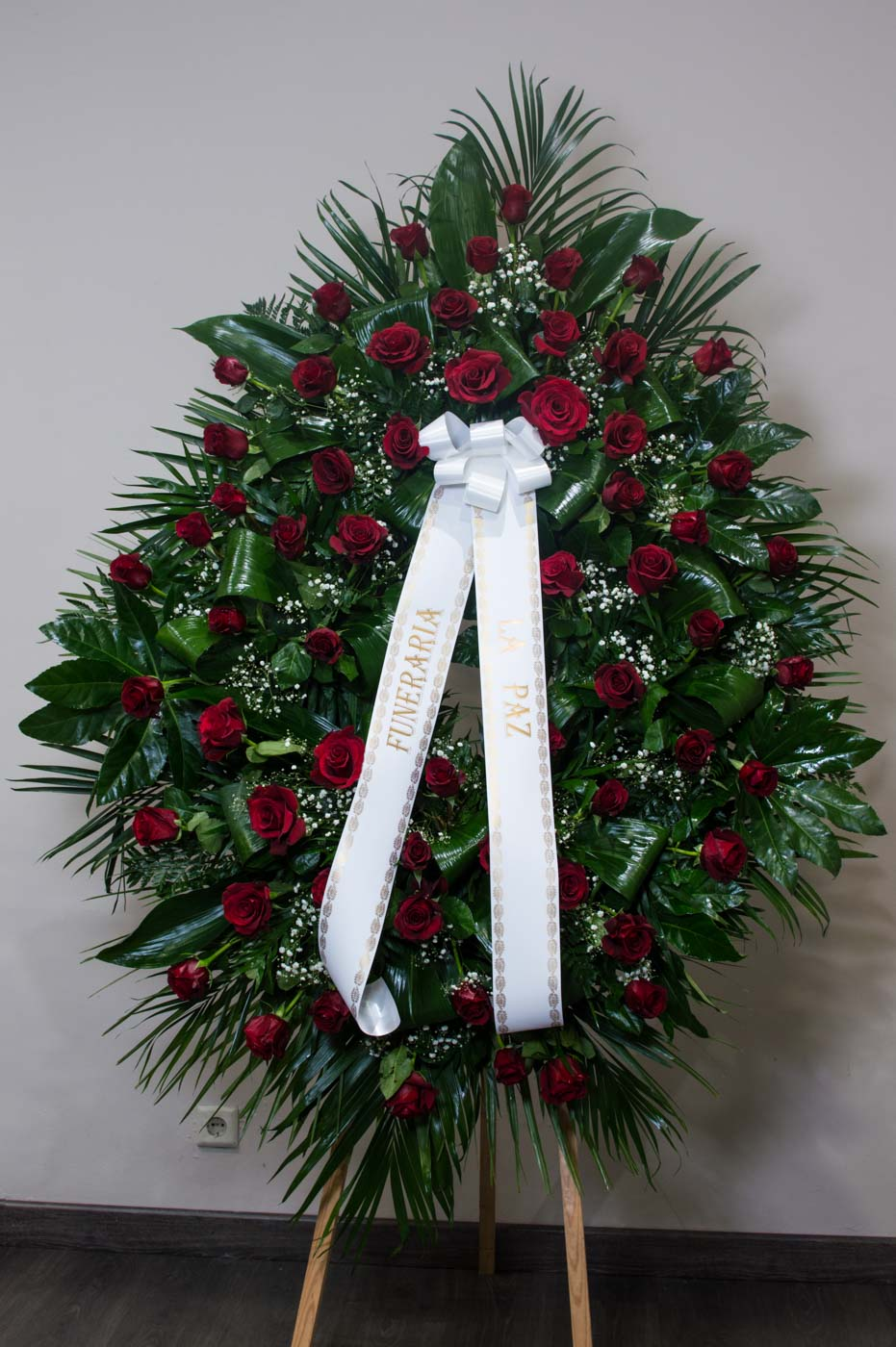 Corona de rosas - Funeraria La Paz Verín